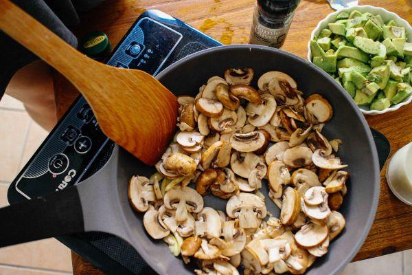 酪梨蘑菇濃湯
